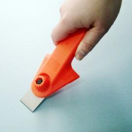 Razuitor manual cu trei lame incluse -NT Cutter